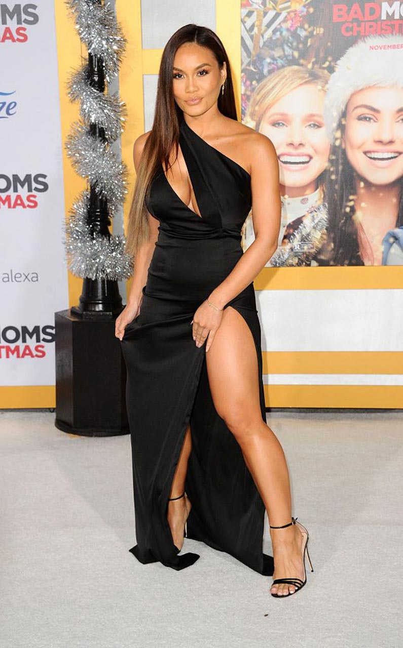 Daphne Joy (50 Cents Ex) Flashes Tits & Ass In Black