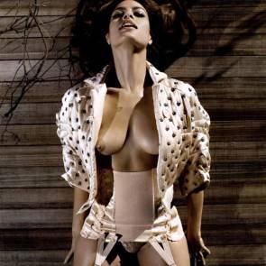 11-Eva-Mendes-Nude