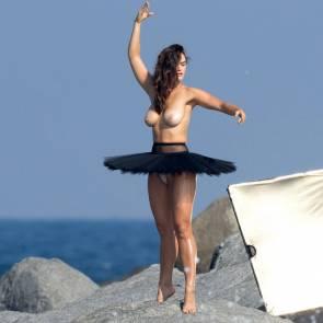 11-Myla-Dalbesio-Topless-Tits