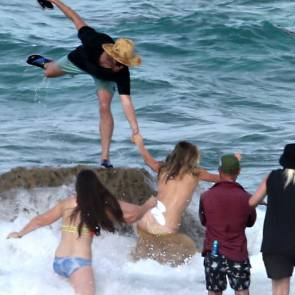 14-Kate-Upton-Sexy-Topless-Falling
