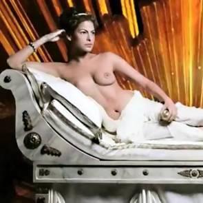 15-Eva-Mendes-Nude