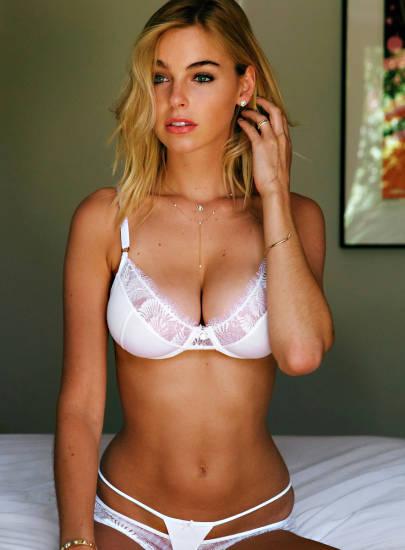 Elizabeth Turner hot posing in white bra