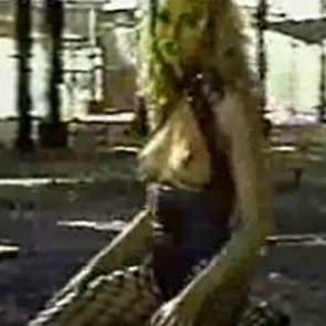 Cameron Diaz Nude Boobs In She is No Angel Video