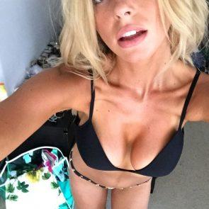 Elizabeth Turner hot selfie from above