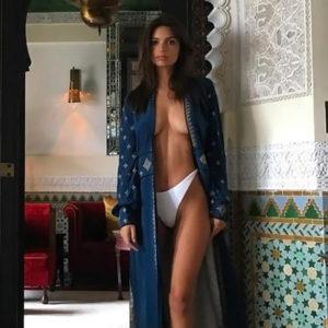 Emily Ratajkowski Adores To Be Topless! (Plus Deep Cleavage Pics)