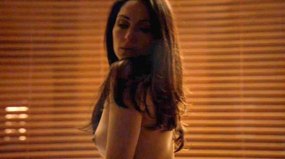 Lela Loren Nude LEAKED Pics & Topless in Explicit Sex Scenes 16