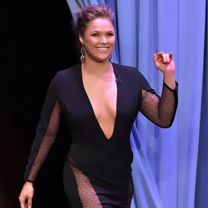 Ronda Rousey—After Sex Tape She Revealed Deep Cleavage!