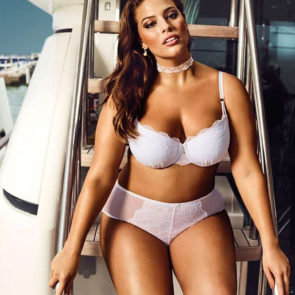 01-Ashley-Graham-Sexy-Lingerie