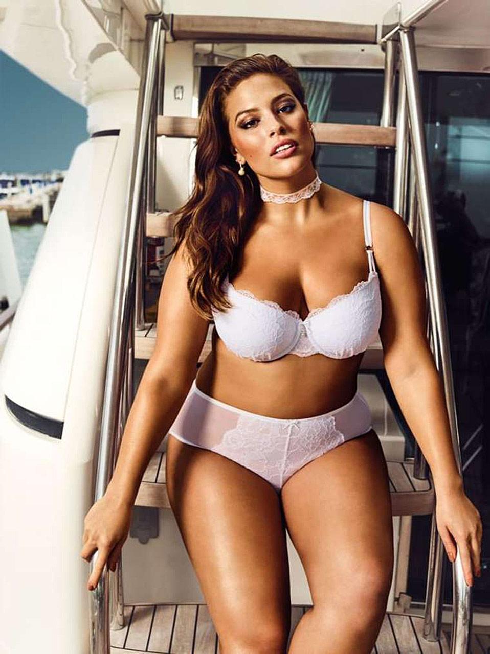 Ashley Graham Nude Plus Size Model Showed Massive Ass -6242