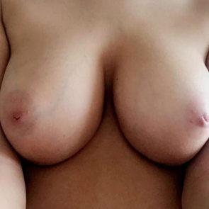 01-Lauren-Louise-Nude-Leaked-Tits