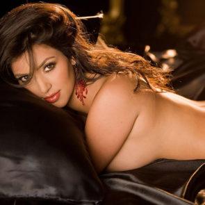 02-Kim-Kardashian-Nude-Leaked-Ass
