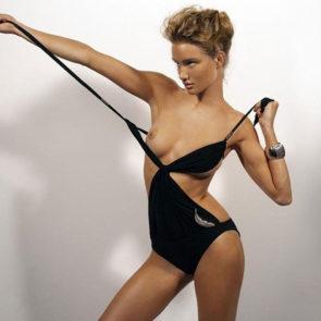 02-Rosie-Huntington-Whiteley-Nude-Sexy-Topless