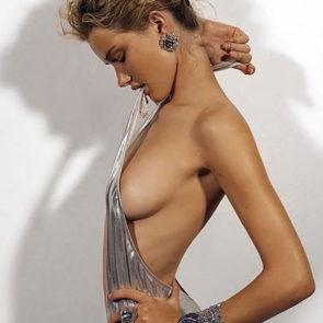 03-Rosie-Huntington-Whiteley-Nude-Sexy-Topless