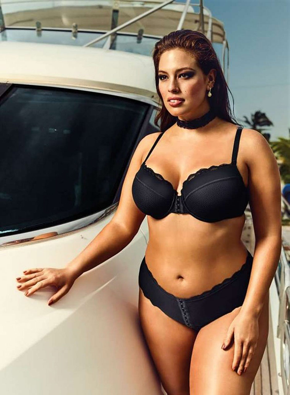 Nude plus sized models that would