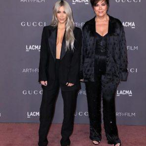06-Kim-Kardashian-Braless-Boobs-Cleavage