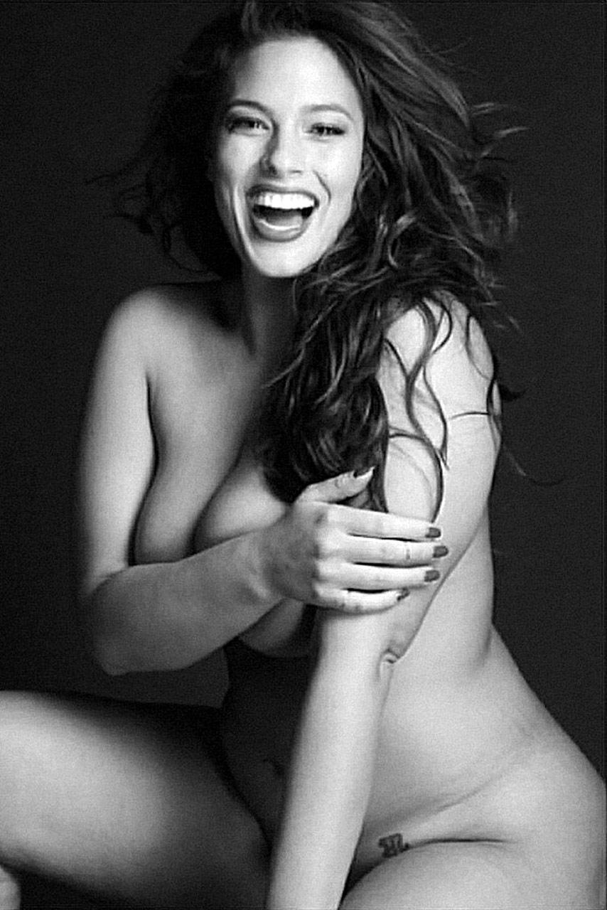 model Plus naked size