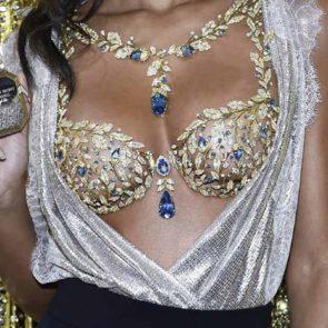 08-Lais-Ribeiro-Sexy-Fantasy-Bra-Victorias-Secret-2017
