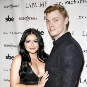 Ariel Winter hot with boyfriend