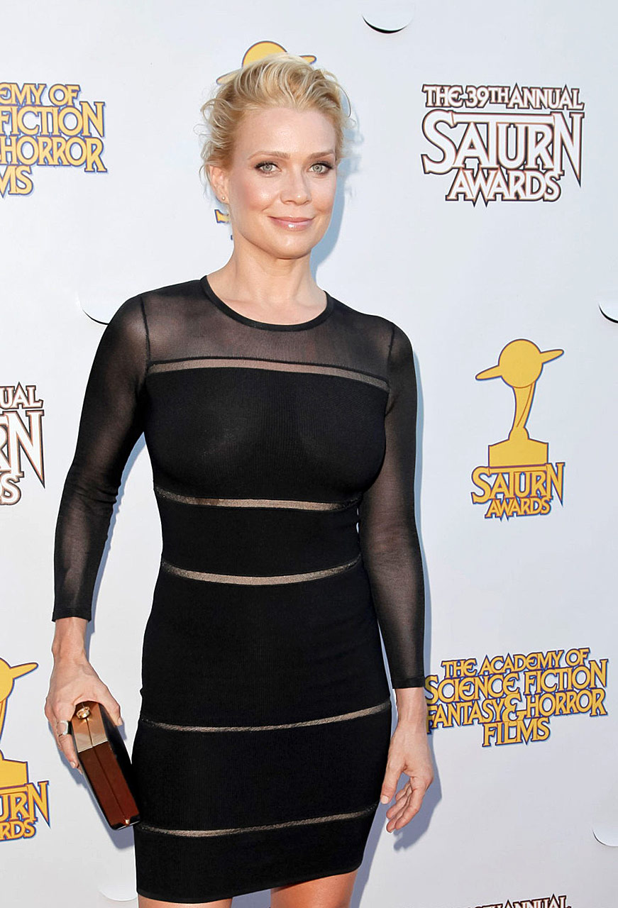 Laurie holden boob