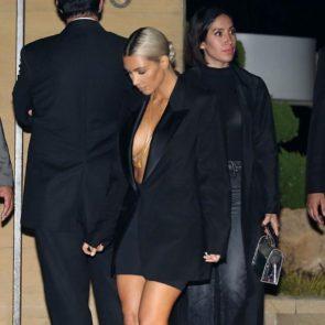 11-Kim-Kardashian-Braless-Boobs-Cleavage