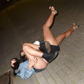 13-Marnie-Simpson-Naked-Upskirt-Fell-Down