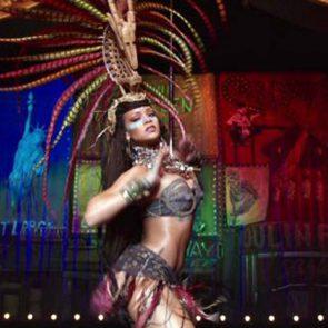13-Rihanna-Sexy-Dance