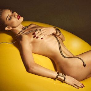 13-Rosie-Huntington-Whiteley-Nude-Sexy-Topless