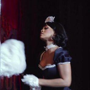 15-Rihanna-Sexy-Dance