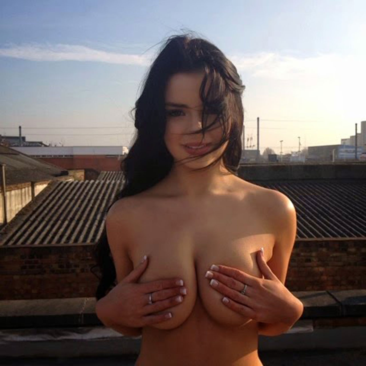 demi rose mawby nude and topless leaked private pics !