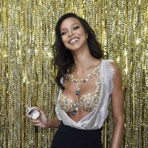 16-Lais-Ribeiro-Sexy-Fantasy-Bra-Victorias-Secret-2017
