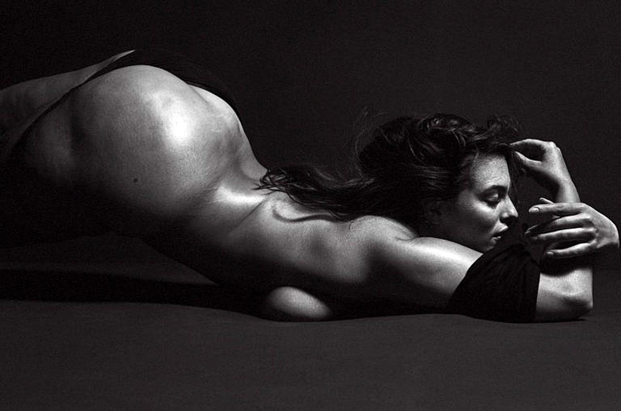 Ashley Graham Nude Plus Size Model Showed Massive Ass ...