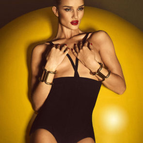 17-Rosie-Huntington-Whiteley-Nude-Sexy-Topless