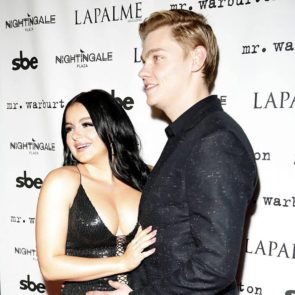 Ariel Winter sexy with boyfriend
