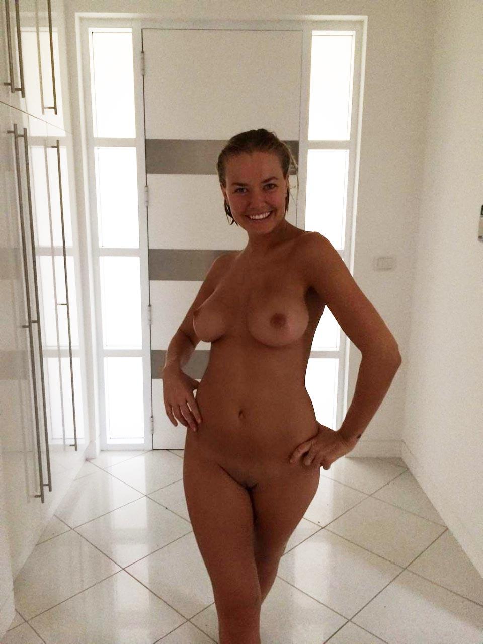 lara bingle nude