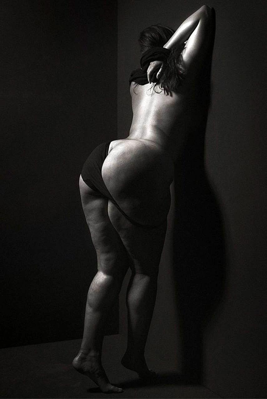 Ashley Graham Nude Plus Size Model Showed Massive Ass -6216