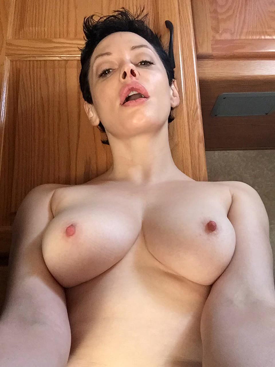 Nude rose mcgowan photos