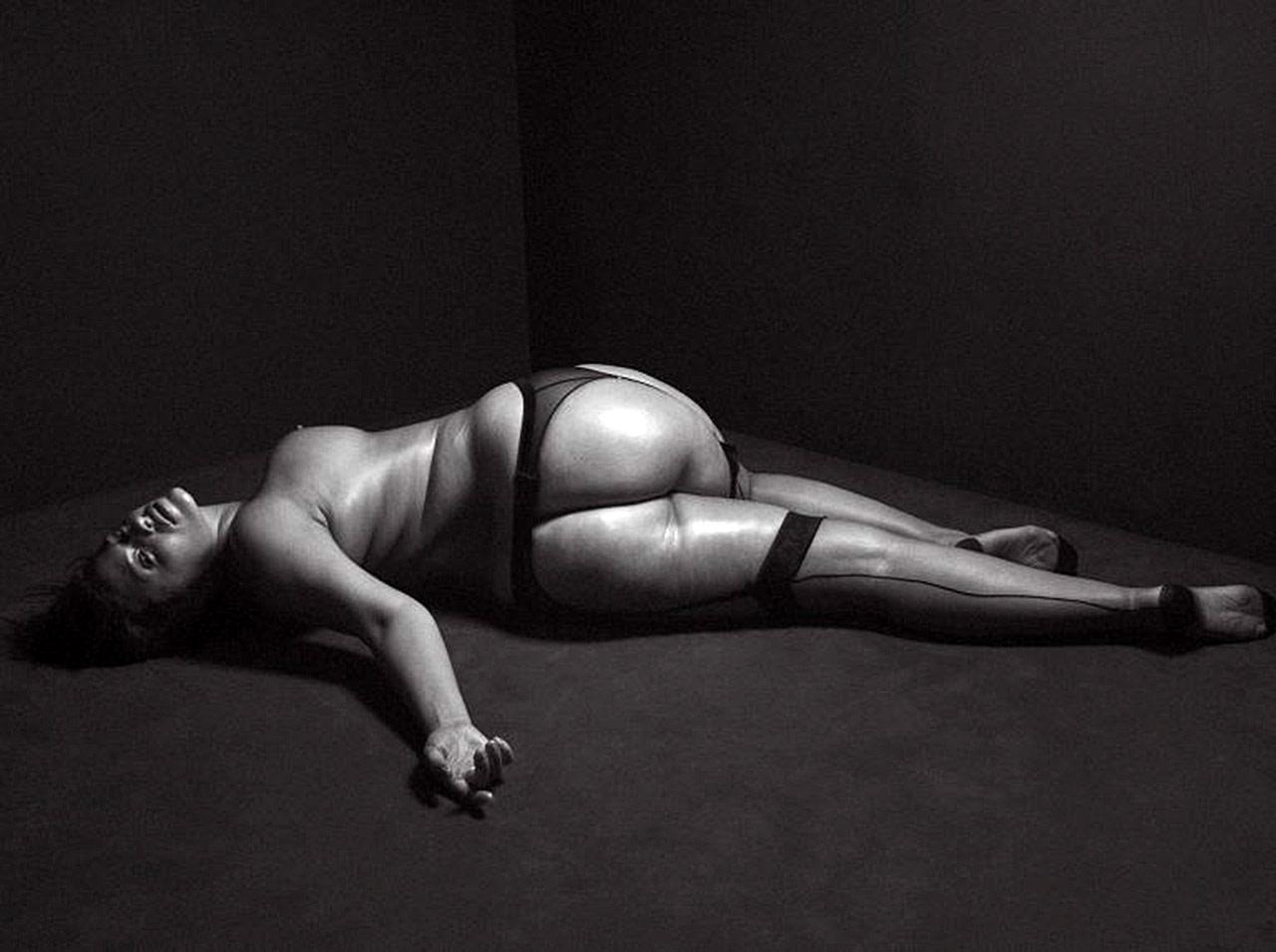 Ashley Graham Nude Plus Size Model Showed Massive Ass -5188