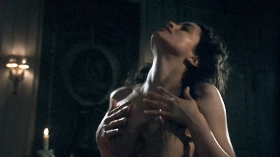Voyeur downblouse nipple slip