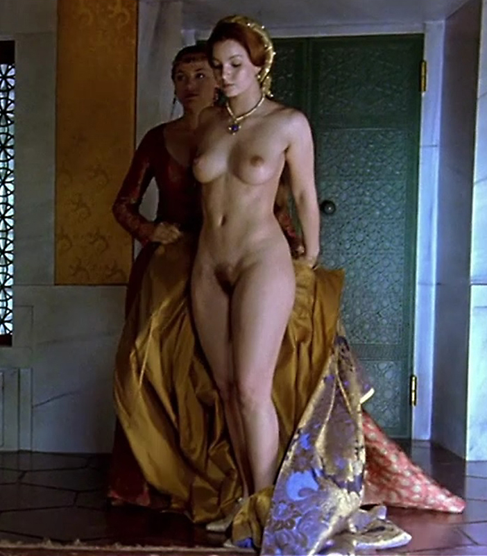 Melanie doutey nude boobs and bush in el lobo movie - 1 part 4