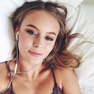 Zara Larsson Lives Lush Life — Too Many Private Nude Pics For Her Age !