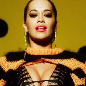 04-Rita-Ora-Sexy-Love-Advent-2017