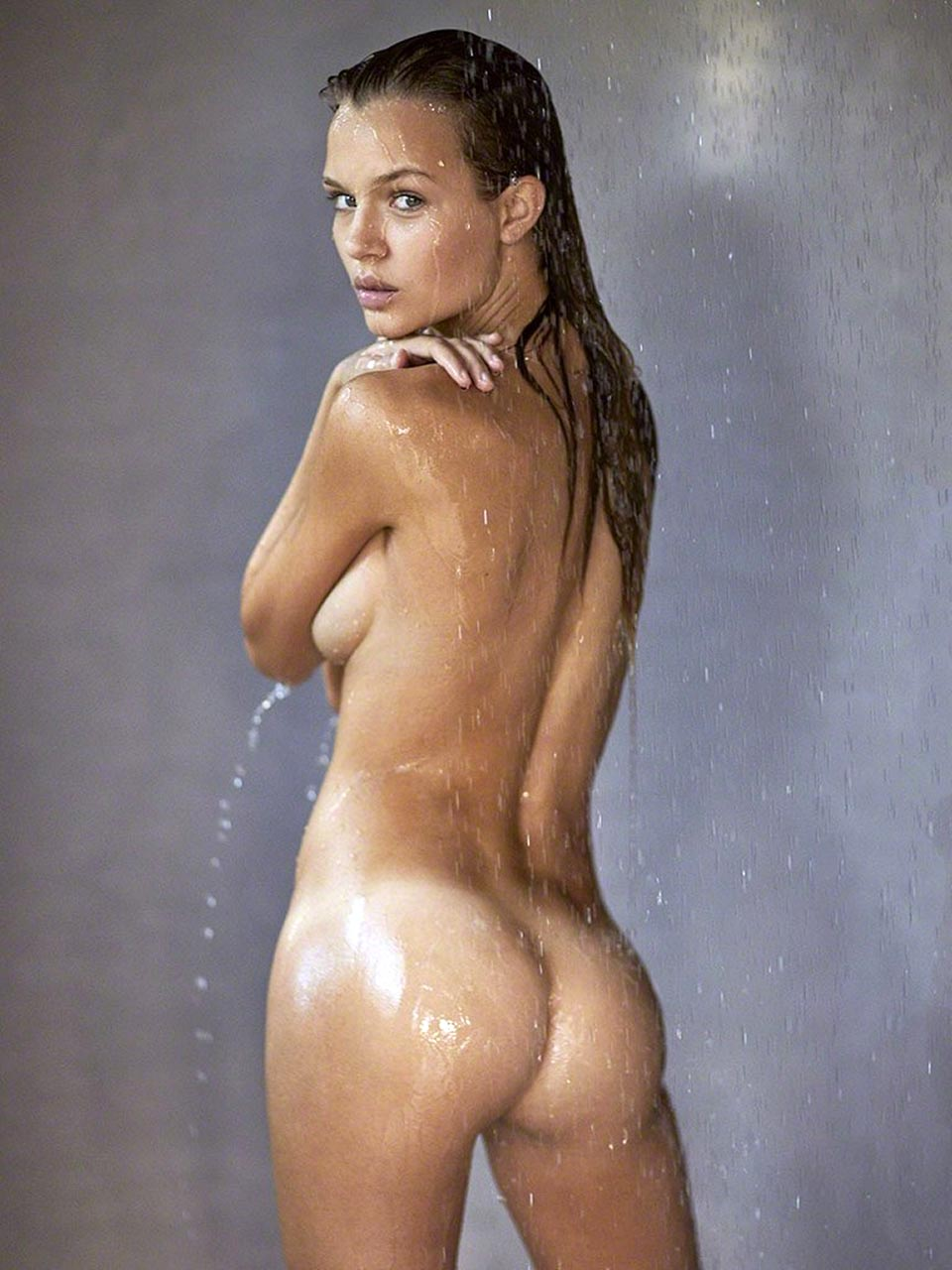 Naked sister in act