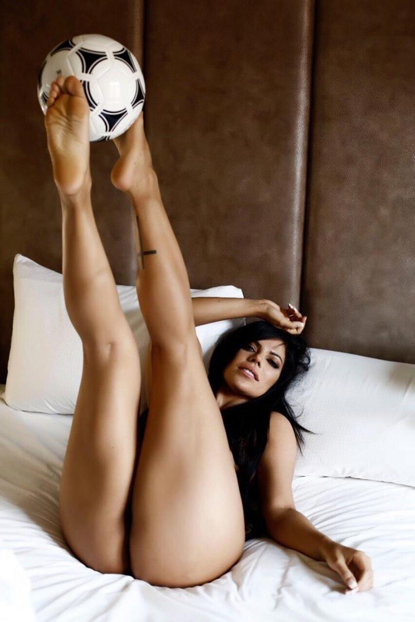 butt naked pics Big