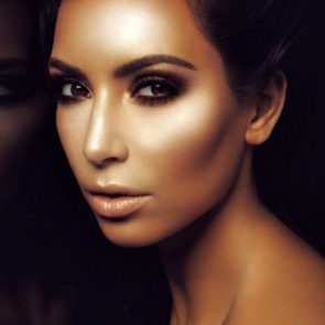 12-Kim-Kardashian-Nude