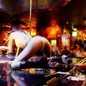 12-Rihanna-Topless-Sexy
