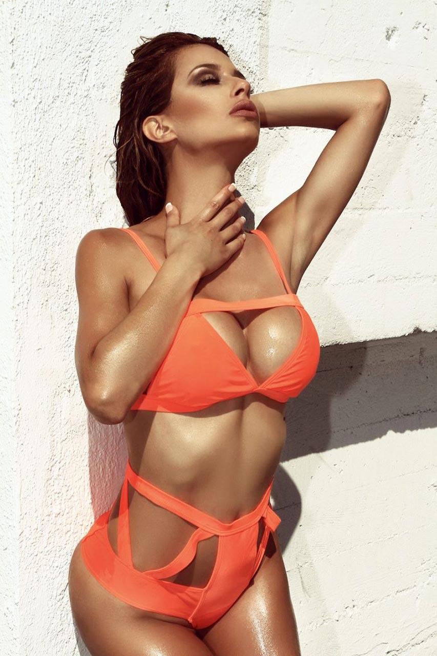 Topless Celebrites Alicia Ancel naked photo 2017