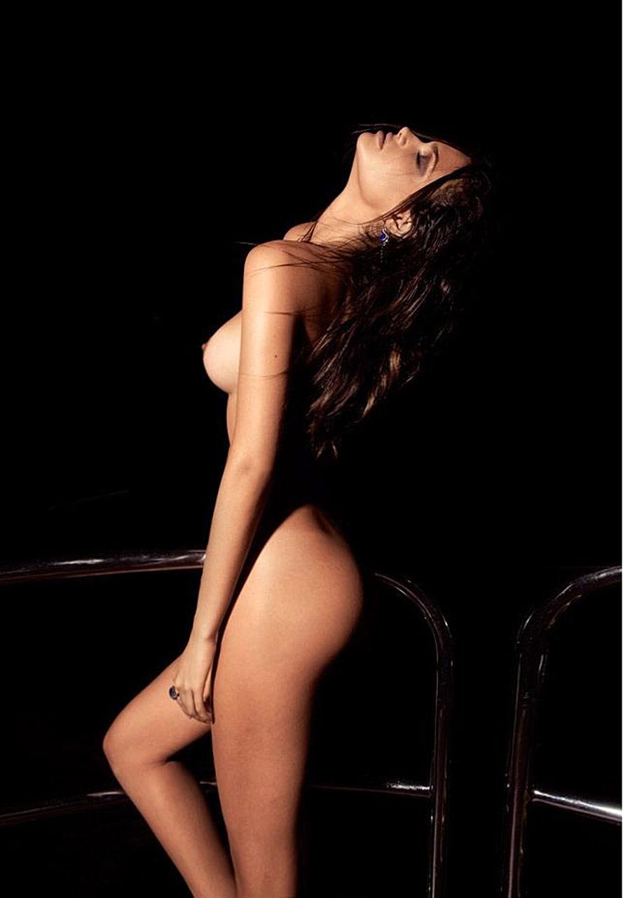 Dame EdnaPunches A Photographer' XXX clip Vanessa Hudgens Shows Her Hard Nipples,Daisy Ridley Photos