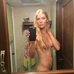 Calph  nackt Christina Christina Jacquelyn