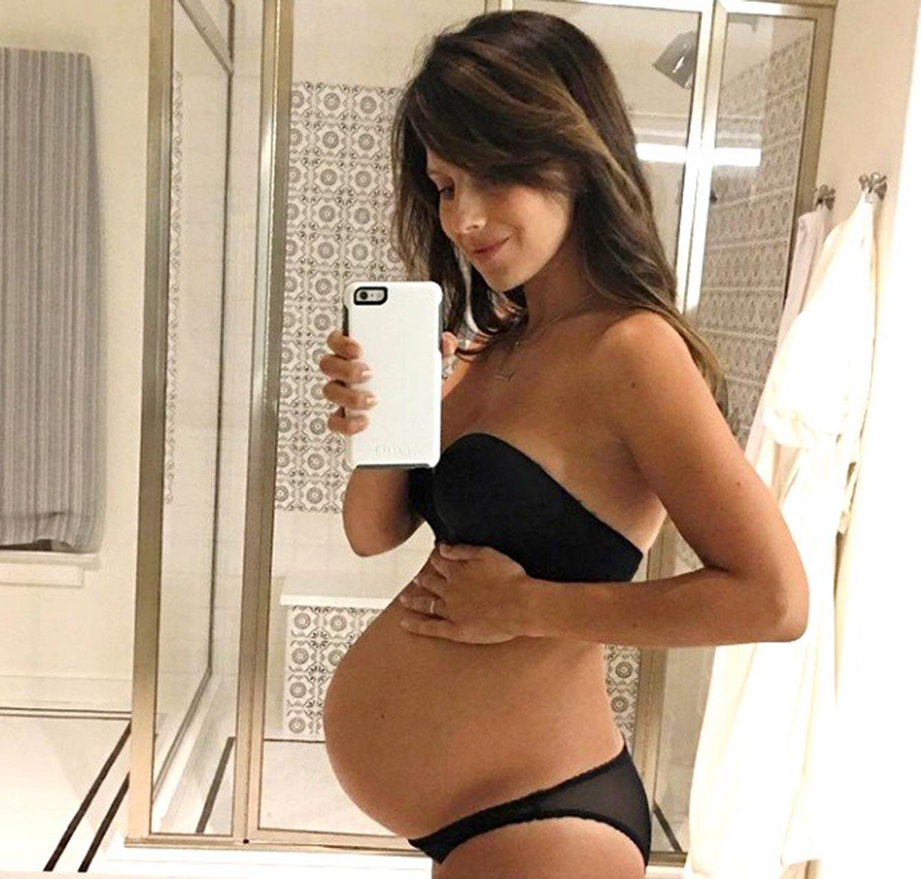 Hilaria Baldwin Thomas Nude Pantyless Selfie  Pregnant -8080