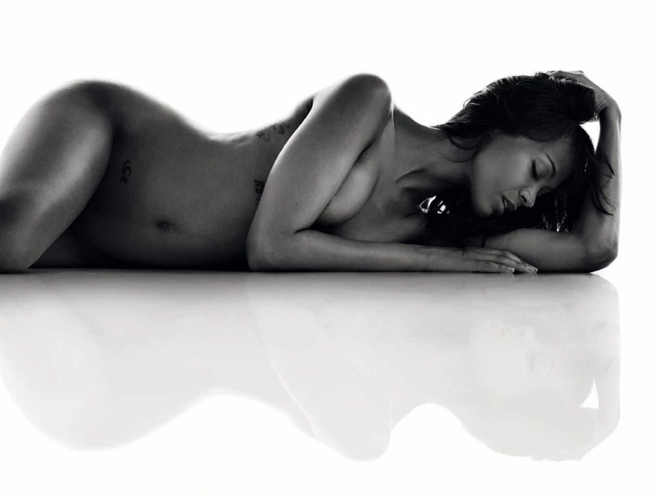 Zoe Saldana Nude At Age 40  Hot Photos U Need To See -2266